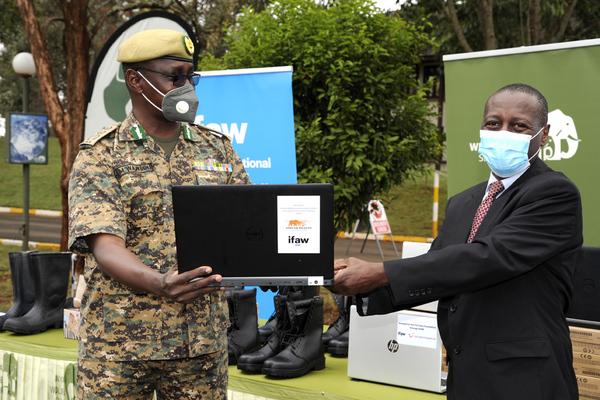 ifaw hands over equipment to Kenya Wildlife Service